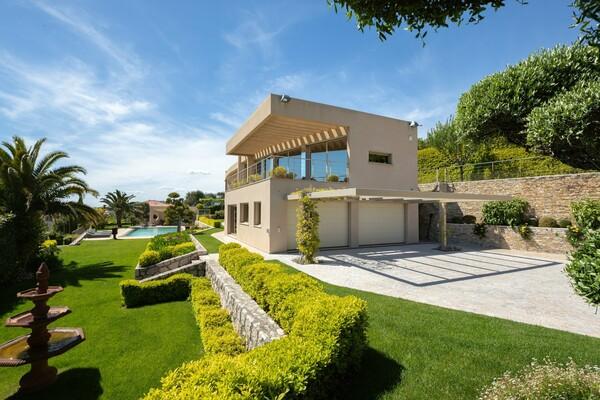 Prestigiosa villa con vista sulla baia di Villefranche