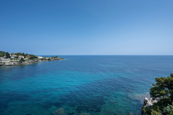 CAP D'AIL • EXCEPTIONAL WATERFRONT TRIPLEX APARTMENT OF 115M²