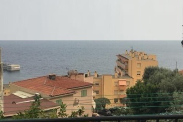 One bed. apartment close to Monaco