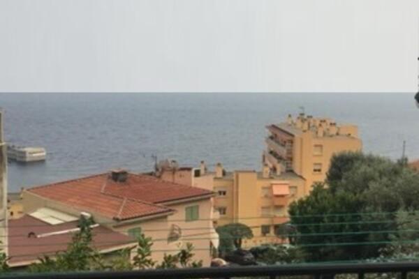 Joli deux pieces proche Monaco