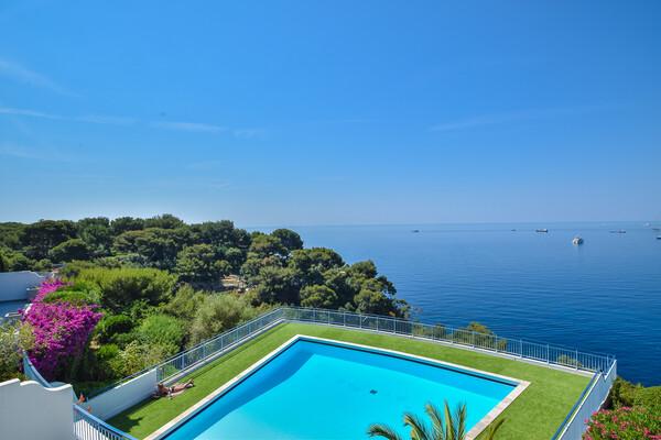Roquebrune Cap Martin - waterfront apartment