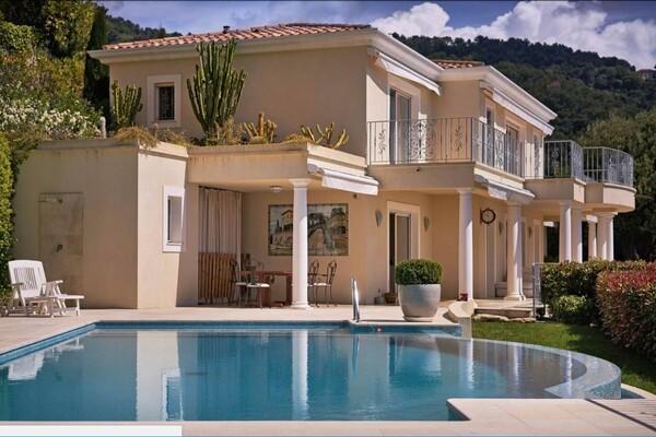 Roquebrune Cap Martin - Property with 2 villas