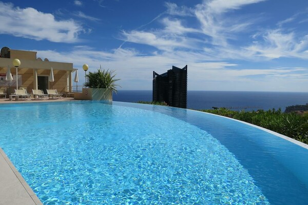 CLOSE TO  MONACO / SEASONAL RENTAL / 2 ROOMS  POOL
