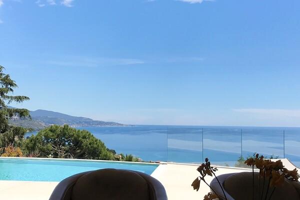 Hameau Roquebrune Cap Martin - Magnifique villa à louer