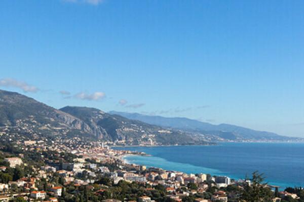 """Appartamento in affitto, in zona """"Hameau Roquebrune Cap Martin""""."""