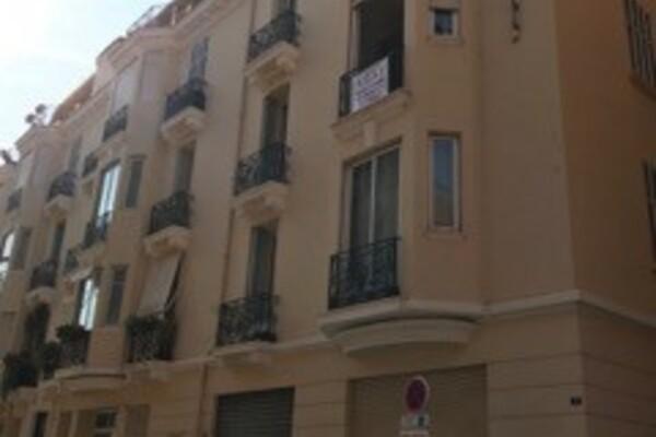Spacieux appartement  proche Monaco