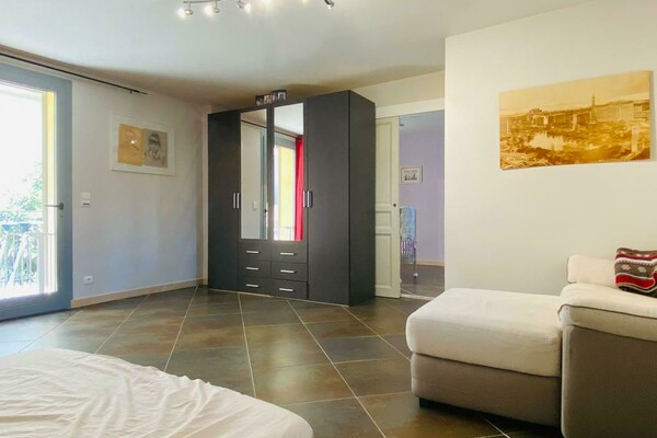HOUSE |4 ROOMS |IN THE CENTRE OF BEAULIEU