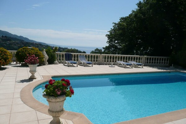 FOR RENT - SERRES DE LA MADONE - 5 ROOMS VILLA