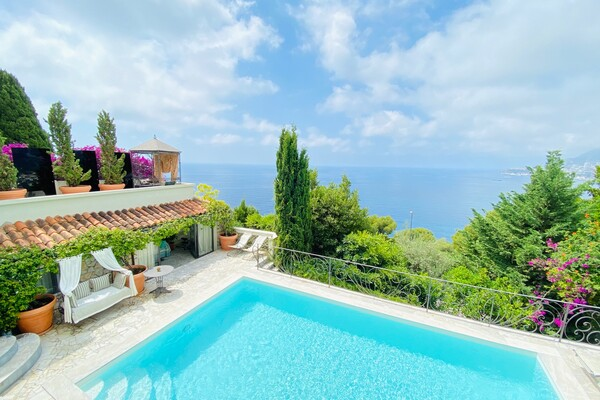 CAPE MARTIN - PROPERTY WITH PANORAMIC SEA VIEW POOL