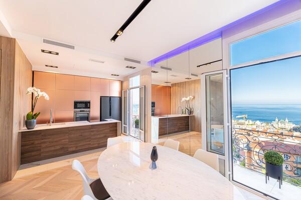 Duplex d'exception Face à Monaco