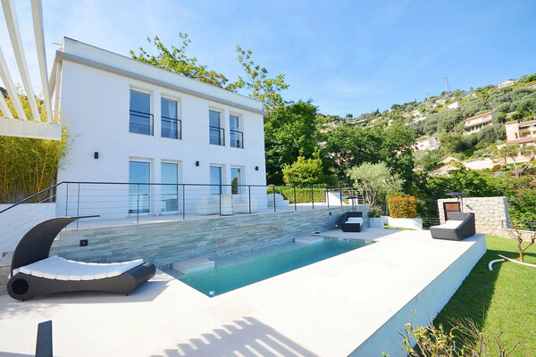 Stunning Sea View Villa with Pool Near Monaco