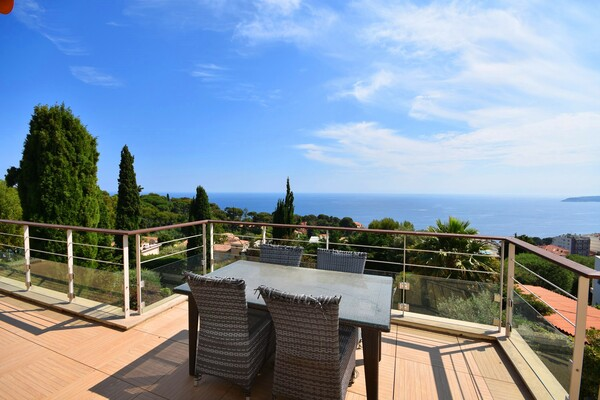 AMAZING 4/5BED VILLA WITH POOL 5 MINUTES TO MONACO