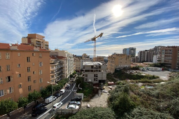 Meters to Monaco - charming 2 bed