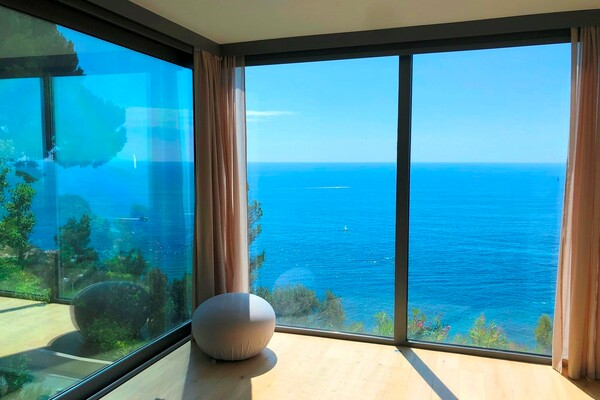 Sophisticated Contemporary Villa facing the sea - Gorgeous view