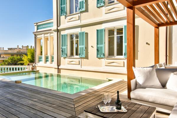 Villa Belle Epoque rénovée, au centre de Beaulieu-sur-Mer