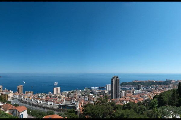 Beausoleil - For sale, four bedroom apartment in a high standing building very close to Monaco