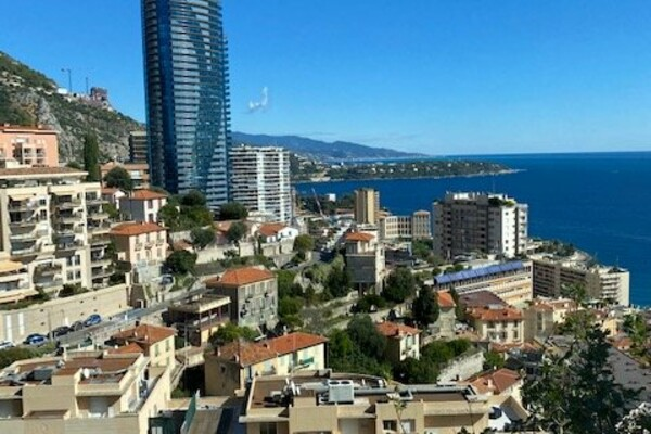 Beausoleil - For rental two bedroom apartment close to Monaco; two terraces, sea view and a parking