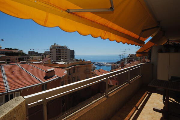 Beausoleil - For rental, two bedroom apartment with garage, next to Monaco