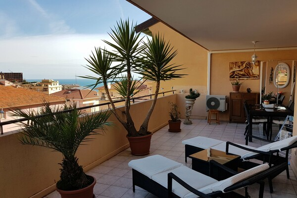 Beausoleil - For sale, two bedroom apartment with spacious terrace, next to Monaco