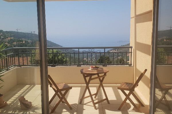 Real estate La Turbie - For rental, two bedroom apartment with sea view and garage, close to Monaco