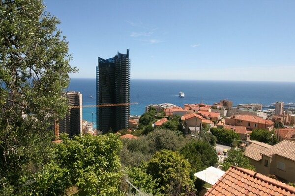 Beausoleil - For rental, two bedroom apartment with terrace, sea view and parking
