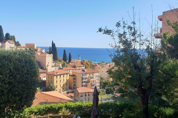 EXCLUSIVITY Menton - Three bedroom apartment with sea view, very close to the town centre