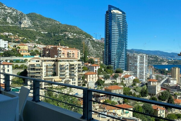 Beausoleil - For rental, close to Monaco, one bedroom apartment with terrace, sea view and parking