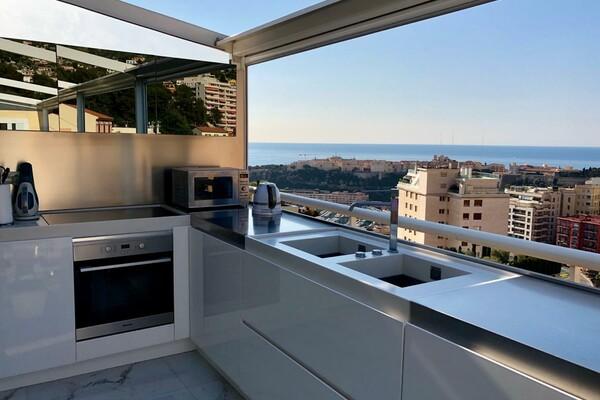 4-room flat - Last floor with sea views