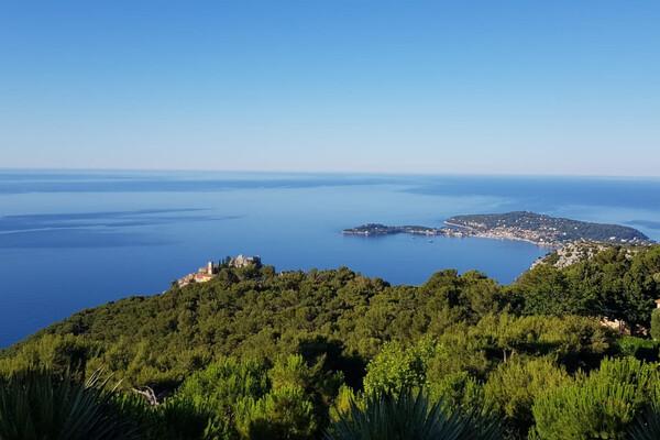 Splendid sea view villa