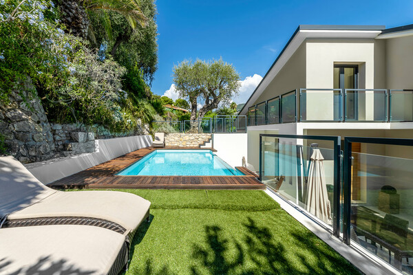 Saint-Jean-Cap-Ferrat - Beautiful contemporary villa with sea views in the village