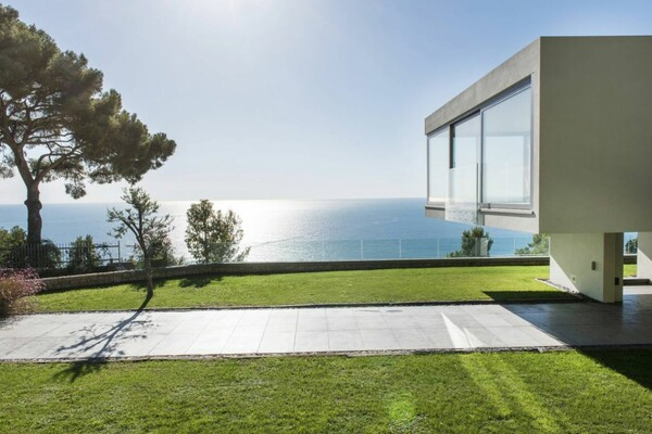 Cap d'Ail - Contemporary Villa with sea view at the door of Monaco