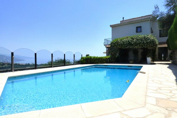 Roquebrune-Cap-Martin - Rental - Modern villa with swimming pool and solarium