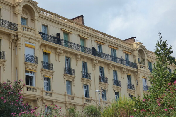 Beausoleil - Charming apartment in bourgeois building