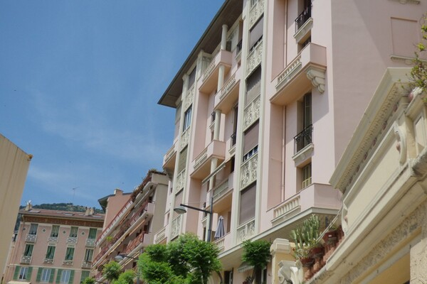 Beausoleil - Large apartment on the border of Monaco by Trains Station