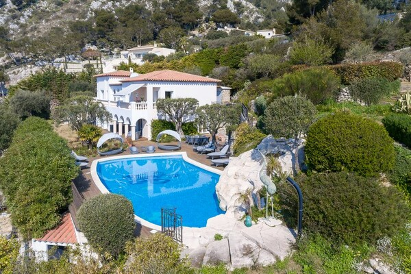 Cap d'Ail - Location - Refined villa with panoramic views