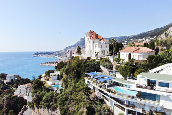 Roquebrune-Cap-Martin - Contemporary villa near Monaco