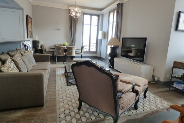 Beausoleil - Penthouse in a Bourgeois Palace