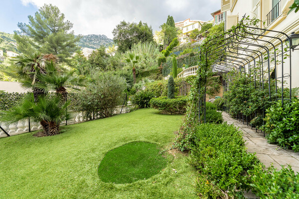Beausoleil - La Rousse district - Luxury villa in the city center
