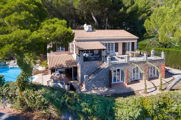 La Turbie - Provençal villa with a large plot of land
