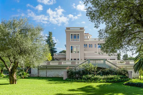 Roquebrune-Cap-Martin - Luxueuse villa dans un domaine privé