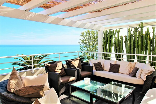 PENTHOUSE D'EXCEPTION PROCHE MONACO