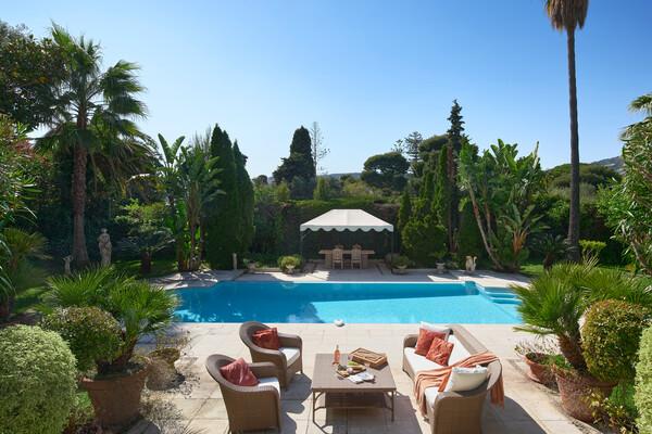 charming villa classical style at cap ferrat