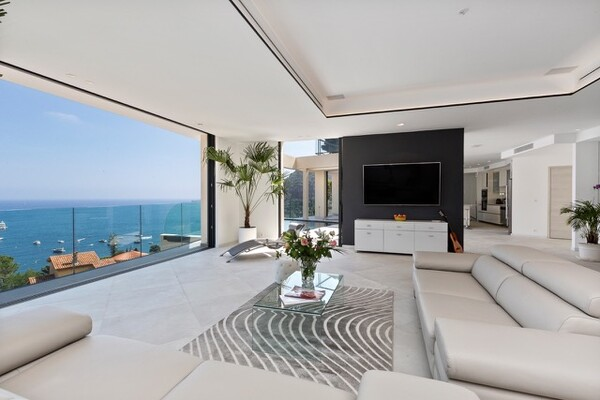 villa moderna, un angolo di paradiso in eze