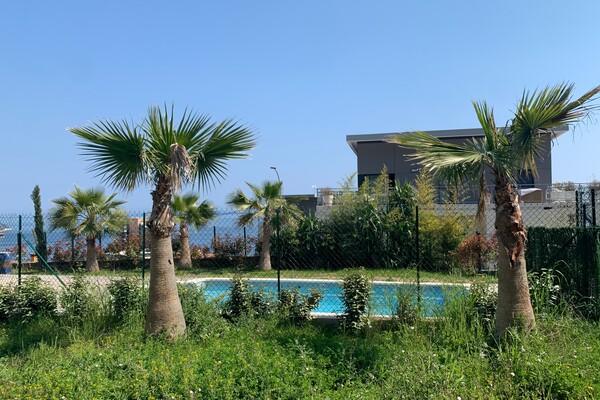 Agrèable 3 pièces dans une résidence avec piscine  à Beausoleil
