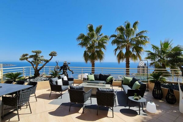 Superstar Brand new Appartment five min from Monaco.