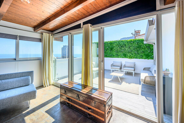 Triplex with Roof Top - BEAUSOLEIL
